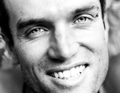 Vitor Coelho dá passo importante para vencer doença rara