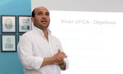André Mesquita dá voto confiança ao treinador