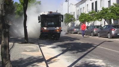Derrame corta trânsito em Almeirim. Presidente da Câmara envia recados a Lisboa (VÍDEO)