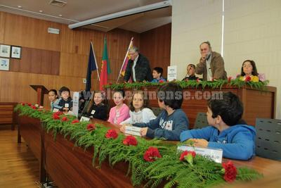 Alunos do concelho passam a deputados municipais