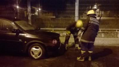 Carro arde em Almeirim