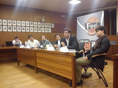 Feel FM juntou jovens para debater 25 abril