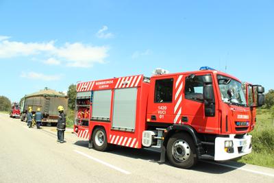 Incêndio em camião na Raposa