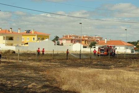 Bomba de Gasolina em perigo após incêndio (fotogaleria)