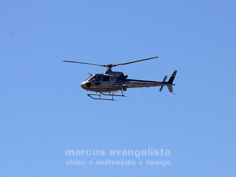 Helicóptero verifica linhas eléctricas em Almeirim