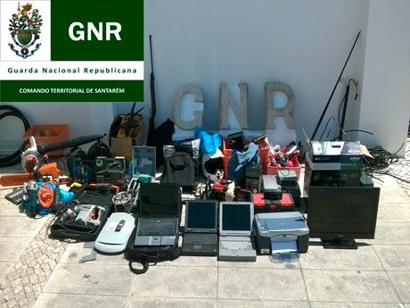 Noticia O Almeirinense: GNR apreende material roubado na cidade