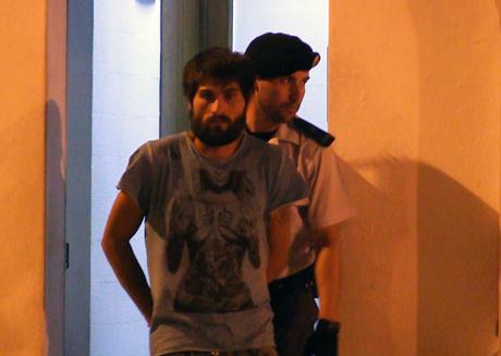 Noticia O Almeirinense: Prisão preventiva para assaltante romeno (VÍDEO)
