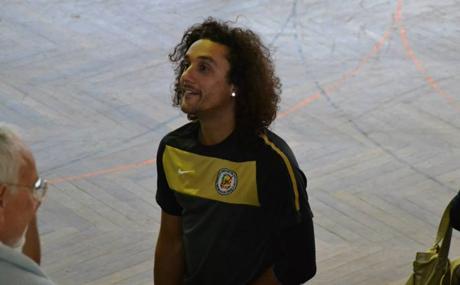 Jogador internacional assina pelos Tigres