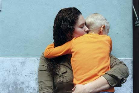 Criança de cinco anos luta contra tumor