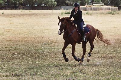 Almeirinense passa com distinção em concurso Completo de Equitação