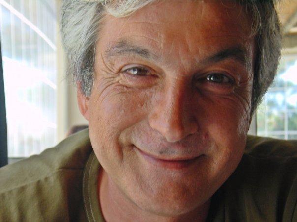 José Catrola inaugura exposição