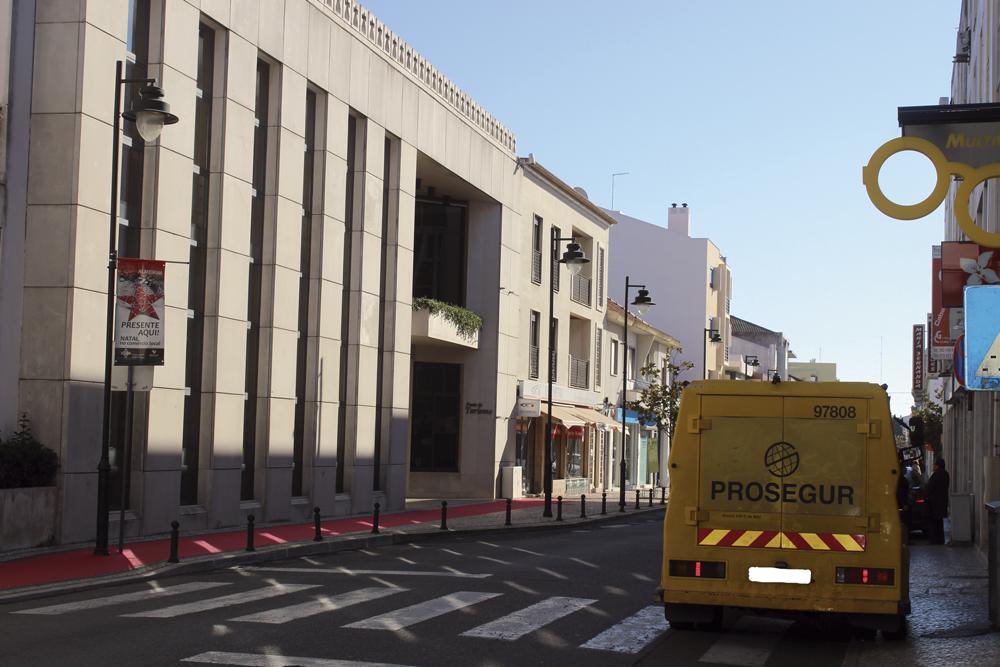 Contrastes – Câmara Municipal