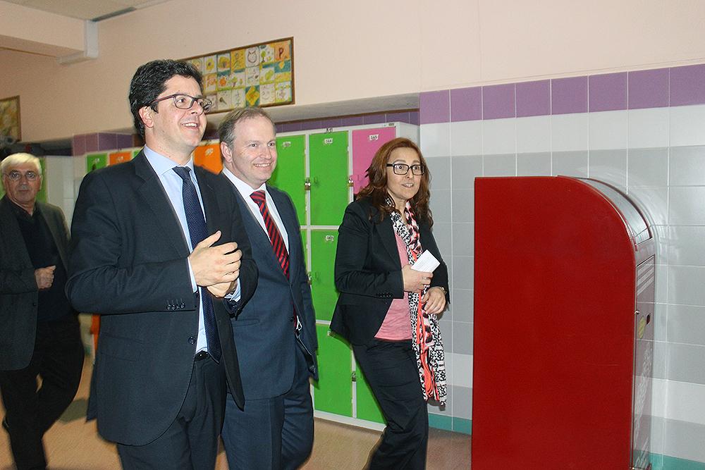 Secretário de Estado da Juventude e do Desporto visita escola de Fazendas de Almeirim (c/ fotos e vídeo)